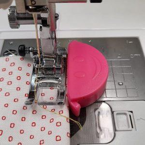 Calamita Smile fucsia - Cuciture dritte - macchina da cucire - Filomania
