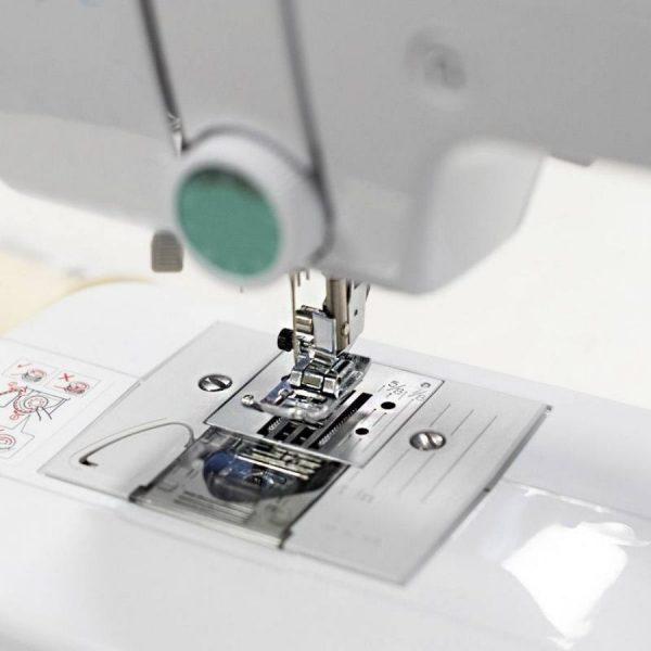 CS70S - macchine per cucire - bobina - Brother